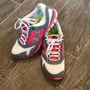 Under Armour running shoes - w 10